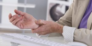 How is Carpal Tunnel Syndrome Treated?